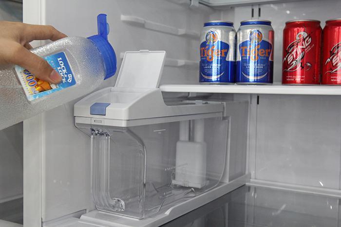 Hướng dẫn sử dụng làm đá tự động bằng tủ lạnh